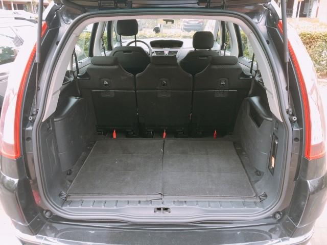 ギター持ち込み用の車のトランク