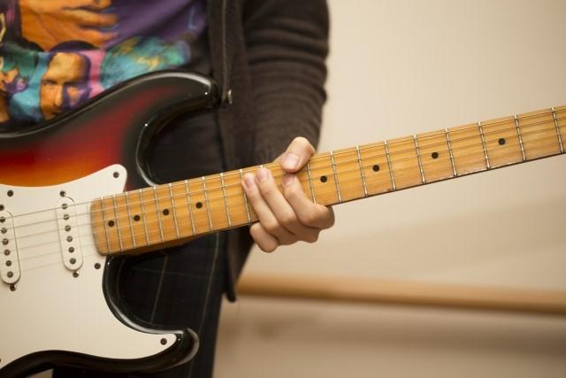 藤沢市では大型ごみになるエレキギター