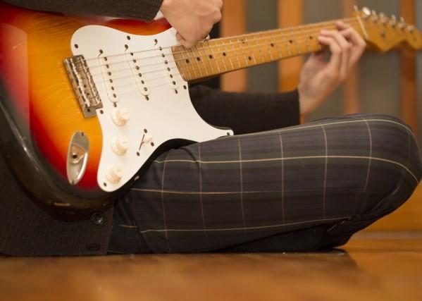 浜松市で捨てると3つのごみに分別されるギター