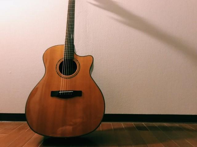 東大阪市で捨てると大型ごみになるクラシックギター