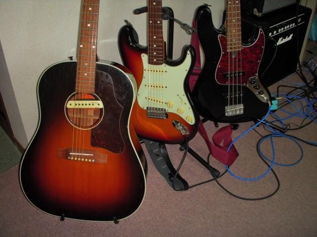 神戸市で高く売れたエレキギターとフォークギターとアンプ