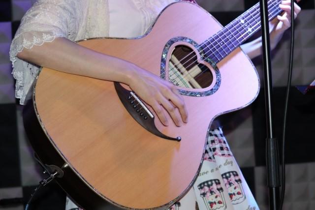 尼崎市で捨てるフォークギター