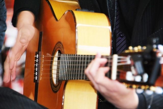 富山市では大型ごみに分別されるクラシックギター