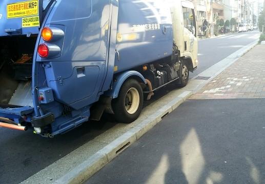 福井市で戸別収集に来た清掃車