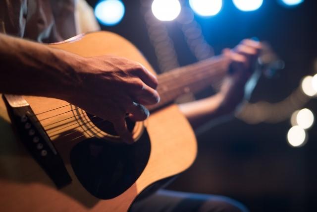 福岡市では粗大ごみに分別されるフォークギター
