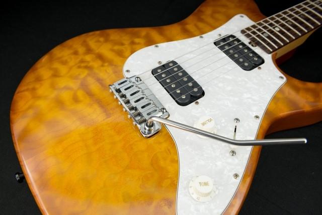 エレキギター黄色と白