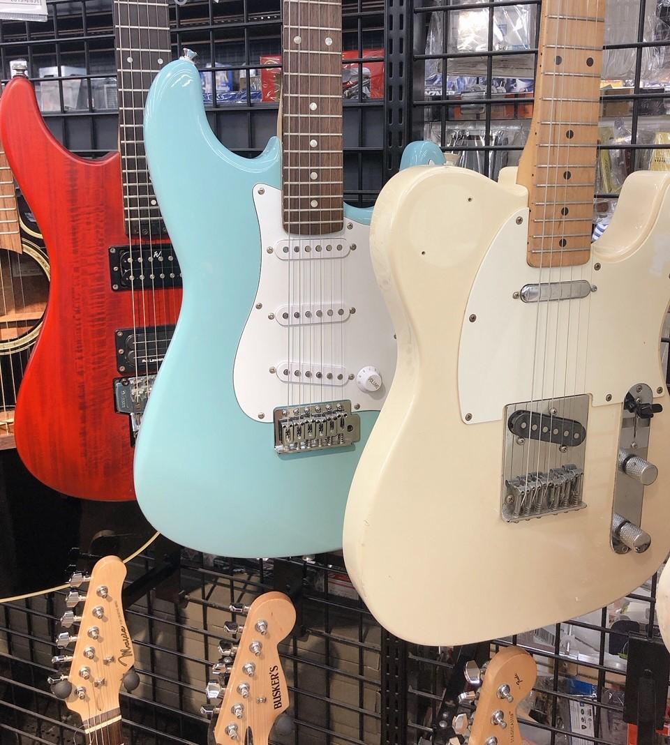 リサイクルショップで売られているギター