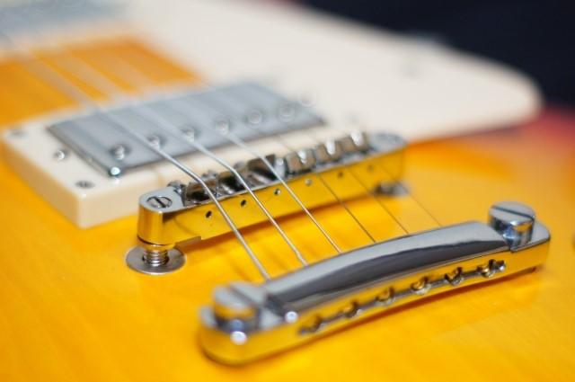 高松市で捨てないで高く売れたエレキギター