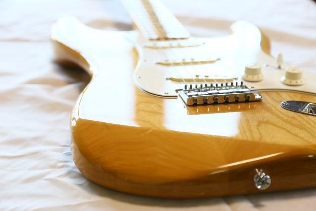 札幌市で一番高く売れる木目のエレキギター
