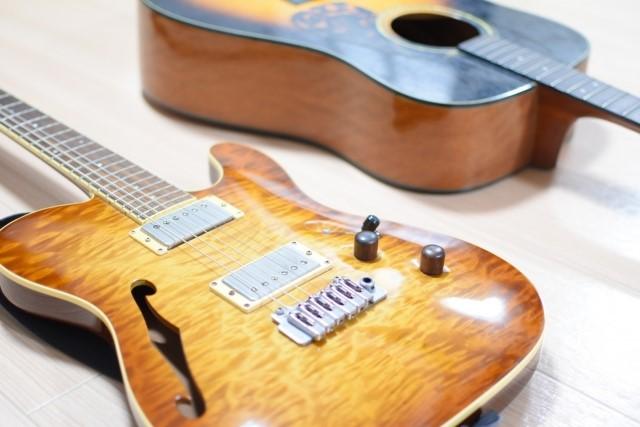 ごみ分別が違うエレキギターとアコースティックギター