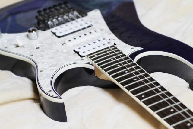 鳥取市で捨てると大型ごみになるエレキギター