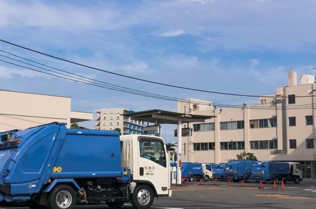 鳥取市の大型ごみ収集車のイメージ