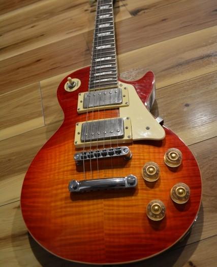 高く売る赤茶色のギブソン・レスポールギター