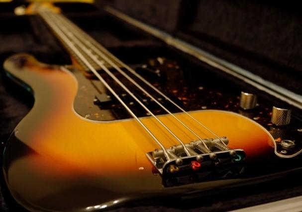茨木市で楽器買取専門店に買取されたベースギター