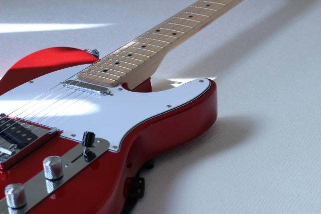 八尾市で捨てると粗大ごみになるエレキギター