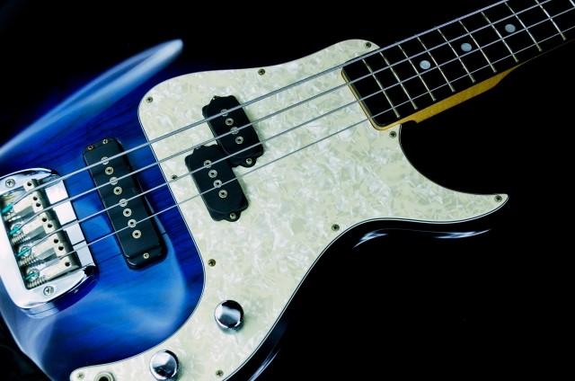 富士見市で無料で処分したベースギター