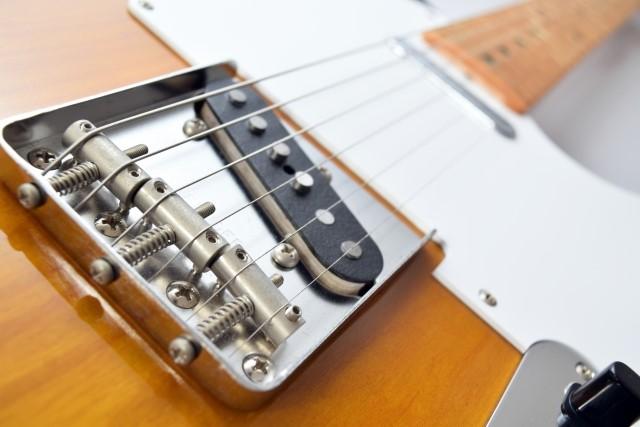 ふじみ野市で捨てる予定のエレキギター