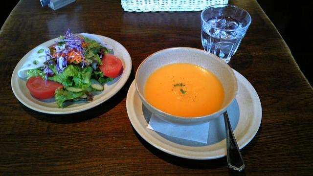 イロイロ野菜のスープ&サラダ