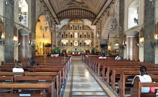 サントニーニョ教会内部