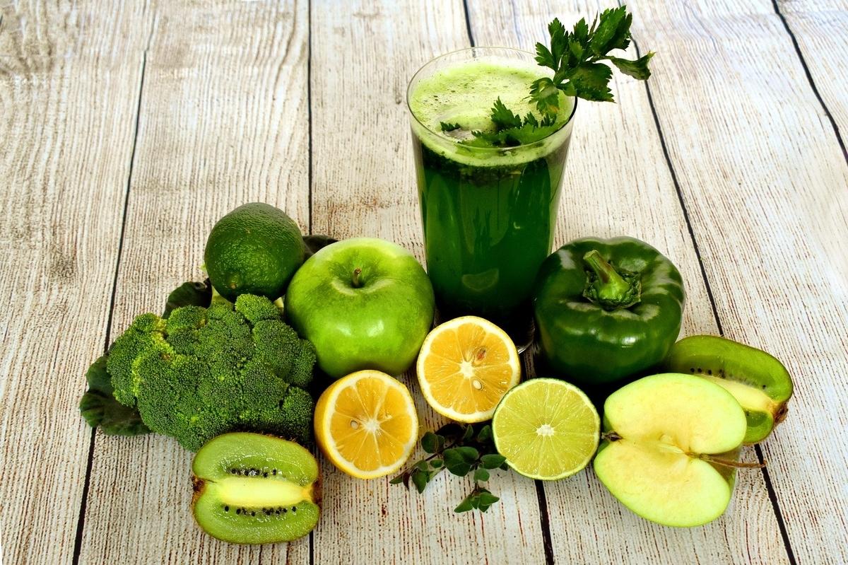 青汁、緑黄色野菜、果物、フルーツ、青麦若葉、ケール