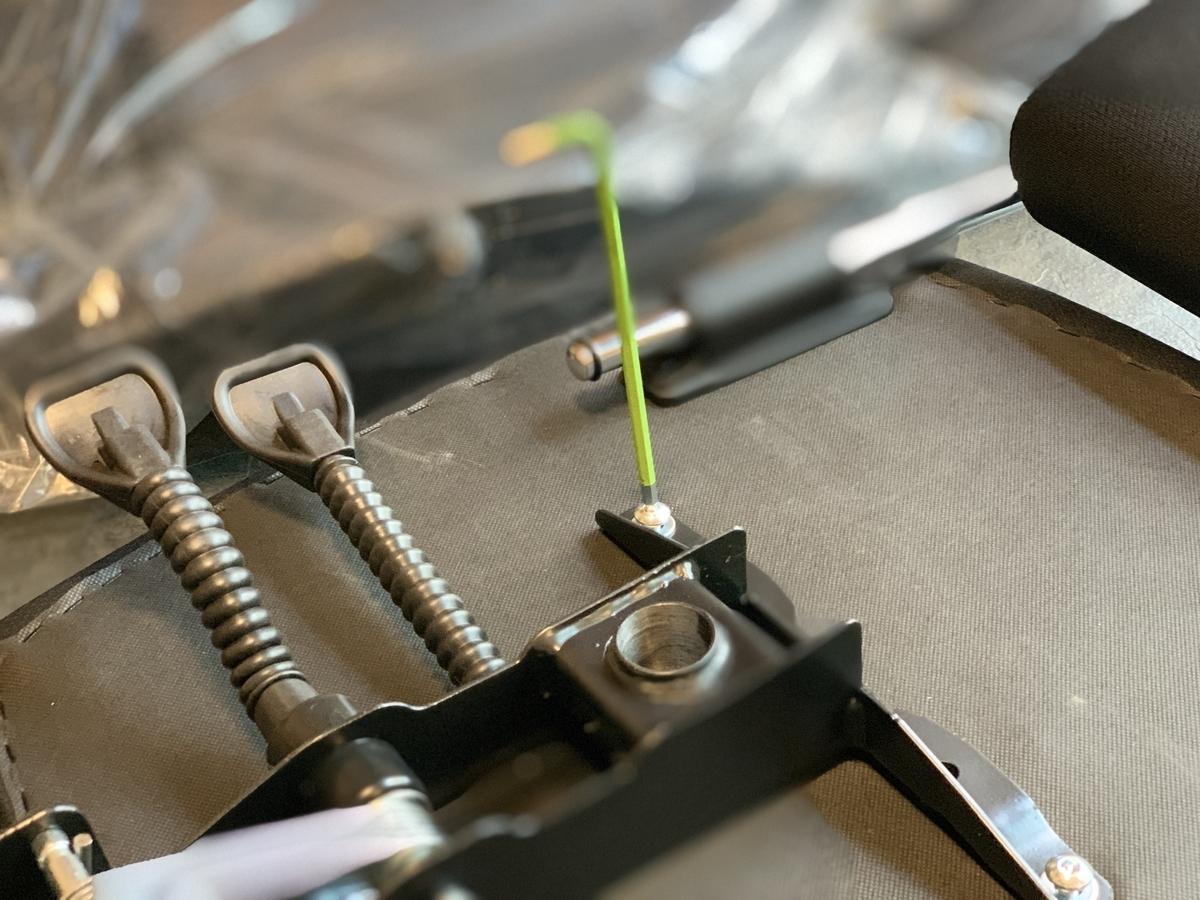 【組立簡単】専用工具は付属しています。 念のため、すべてのネジは予備ネジがあります。 図解により、誰でも簡単に組み立てることができます。