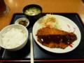 20100508の夕食。梅田の宮本むなし。ジャンボチキンカツ定食。