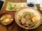 20110122の夕食。トアル食堂。海老、鶏、野菜、たっぷりあんかけ丼。