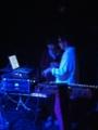 20110416の音楽。Vox Hall。ステージ上で悩む、sujinさんとマナマンさん。