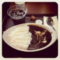 20110730の昼食。Gloria Jean's。黒カレーとアイスコーヒー。