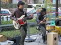 20111231の音楽。アシガルユースのストリートライブ。JR大阪駅御堂筋北