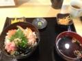 20120212の夕食。とろ家。サーモン・ねぎとろ丼。