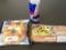 20120412の朝食。チーズベーグル、まるごとペッパーソーセージ、レッド