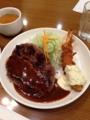 20121031の夕食。洋食屋とんはる。ビッグハンバーグ&エビフライセット