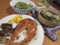 11/15:自炊。サーモンムニエル、チキンスープ、セロリ炒め。食べ過ぎ