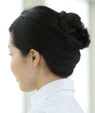 看護師の髪型「仕事の邪魔にならず動いても崩れない」