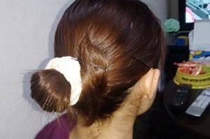 看護師の髪型 ポニーテール+シュシュ+ピン