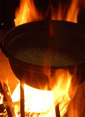 煮えたぎった鍋