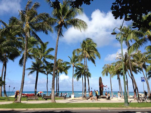 デューク・カハナモク像 in ハワイ