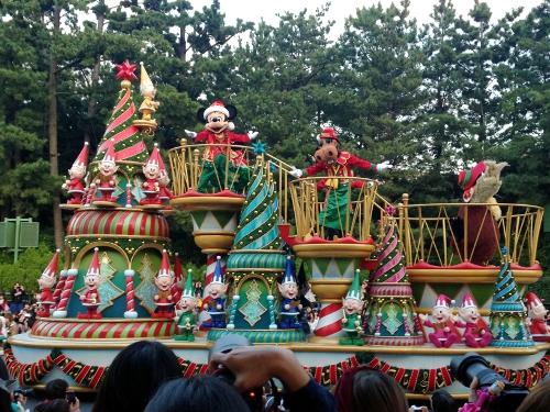 昼間のパレード(クリスマスバージョン)