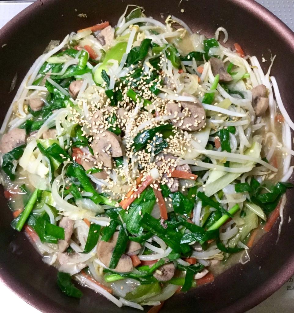 豚マメのニラともやしなどの野菜炒め