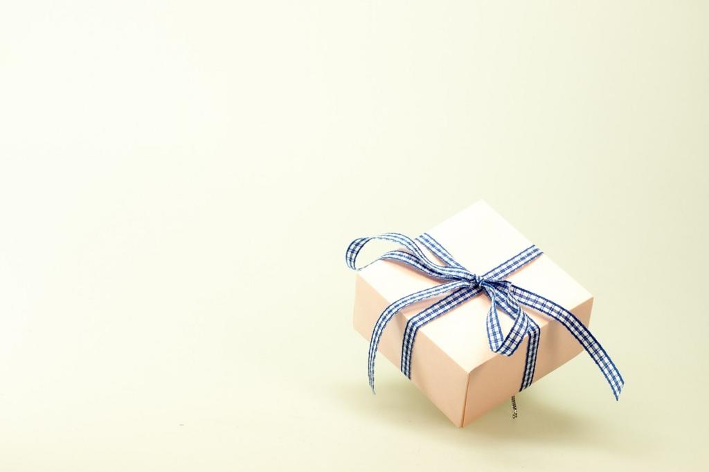 親族へのプレゼントどうしてます?
