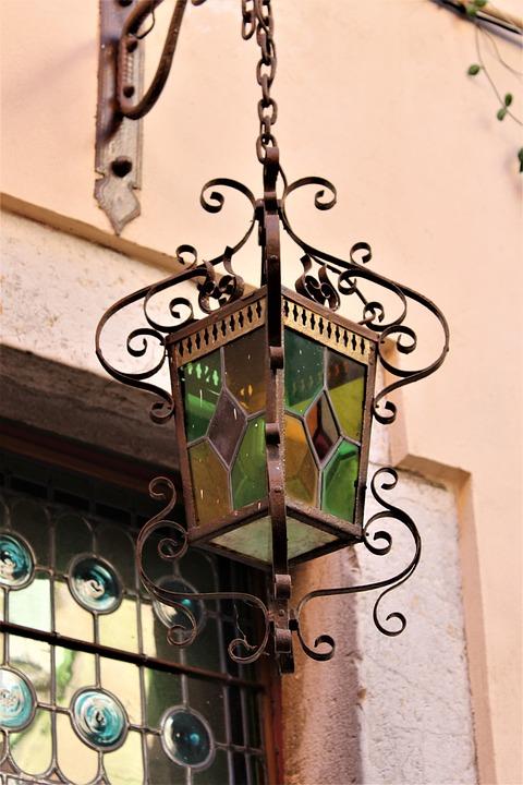 ランプのステンドグラス