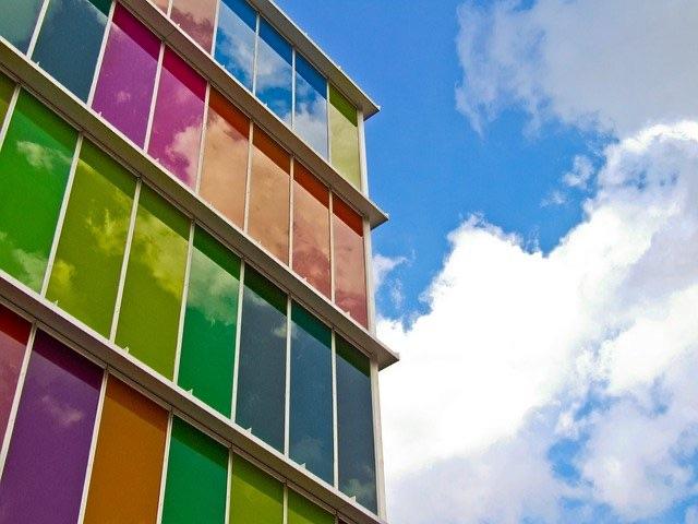 ステンドグラス カラフルな窓