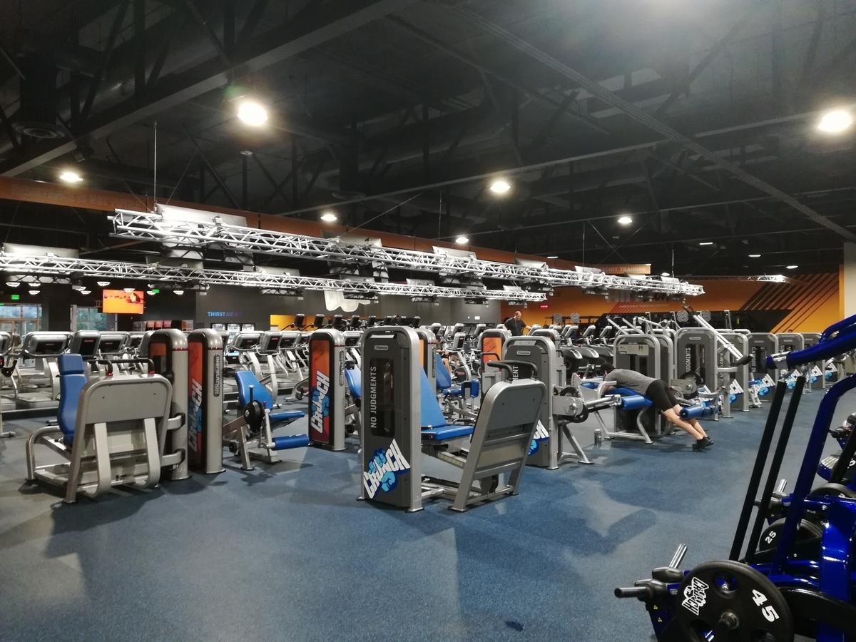 Crunch Fitness - Reno