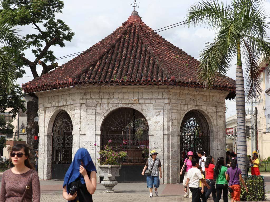 Magellan Cross Chapel
