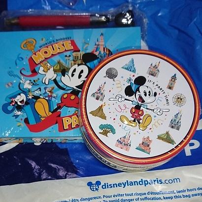 ディズニーランドパリのミッキー90周年グッズのお土産