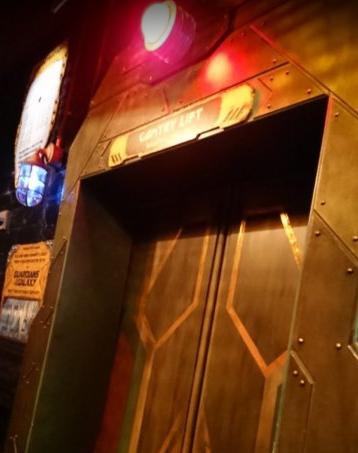 ガーディアンズオブギャラクシーミッションブレイクアウト ガントリーリフトのドア