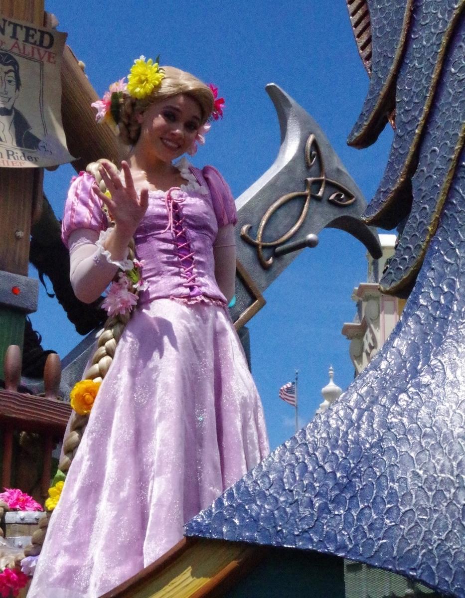 ディズニーフェスティバルオブファンタジーパレードのラプンツェル