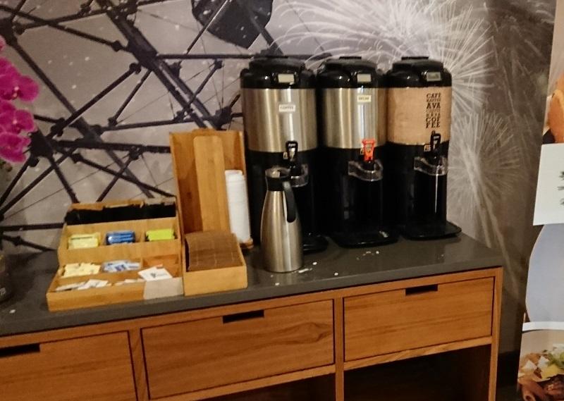 フォーポイントバイシェラトンアナハイムのコーヒーサービス