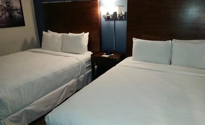 フォーポイントバイシェラトンアナハイムのベッド